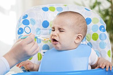 Bébé refuse de manger
