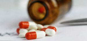 Nitrofurantoïne : un antibiotique prescrit à 60% hors AMM
