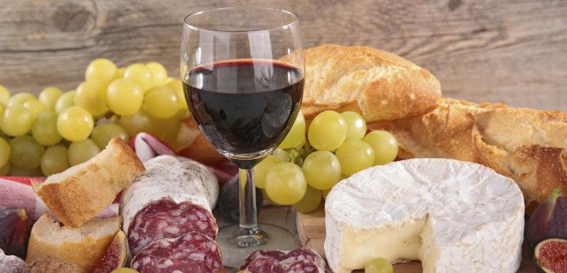 Vin rouge et mode de vie méditerranéen, pour vivre plus longtemps ?