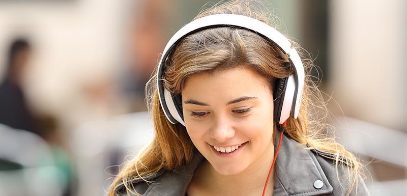 casque audio et audition son jeunes