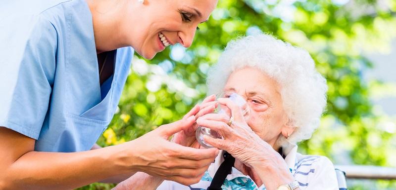 opération de prévention-chaleur-seniors-hydratation