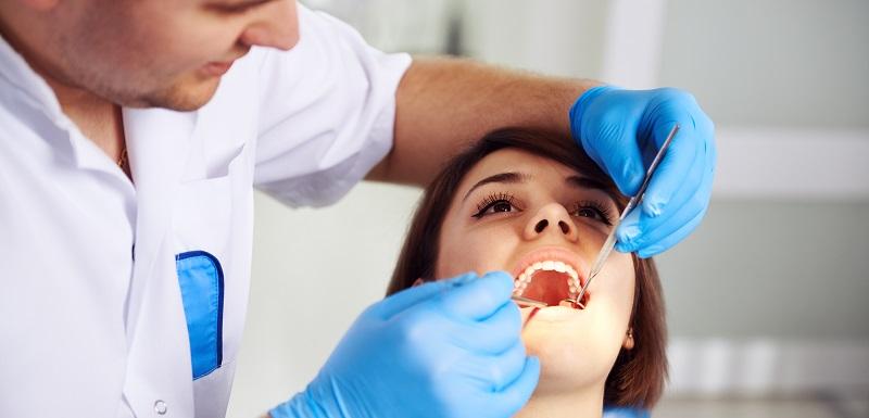 facteur de la génétique favorisant le développement de caries dentaires
