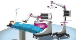Première mondiale : opérer la scoliose juvénile avec un robot
