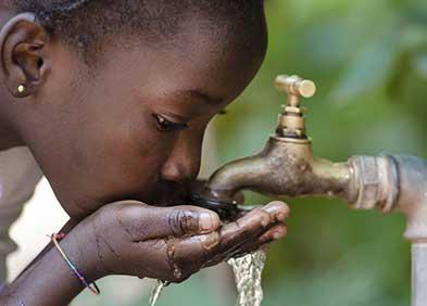 saturnisme causé par une eau contaminée par des canalisations en plomb