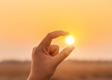 rachitisme le soleil entre le pouce et l'indexe