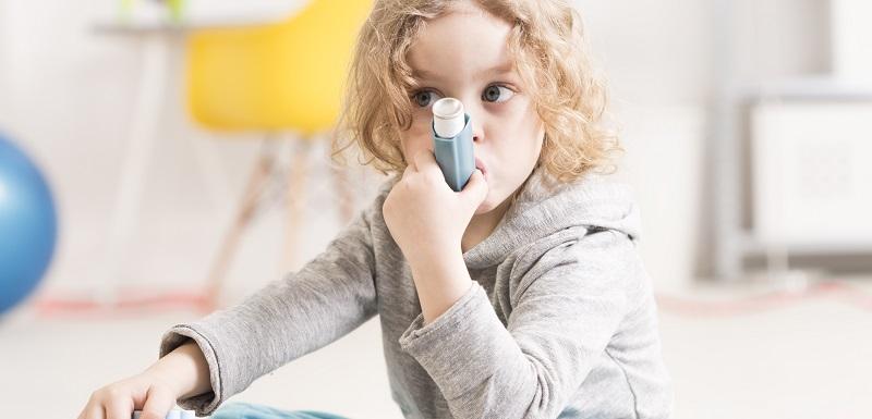crises d'asthme chez les enfants à la rentrée scolaire