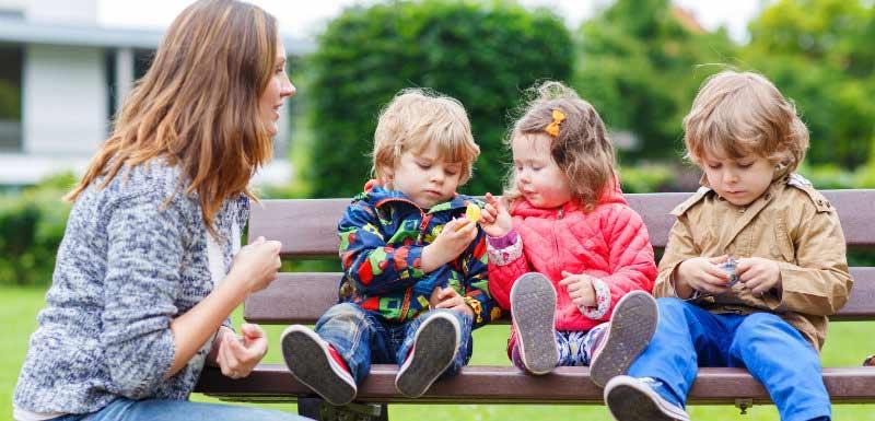 risque de démence - mère avec ses trois enfants