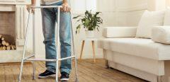 Trois patients paralysés réussissent à remarcher grâce aux neurotechnologies