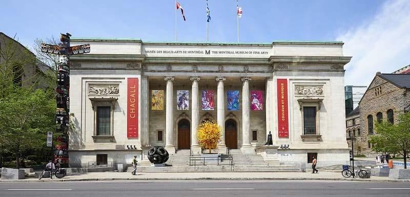 Des visites au musée.