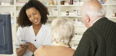 Le pharmacien contre les prescriptions inappropriées chez les séniors