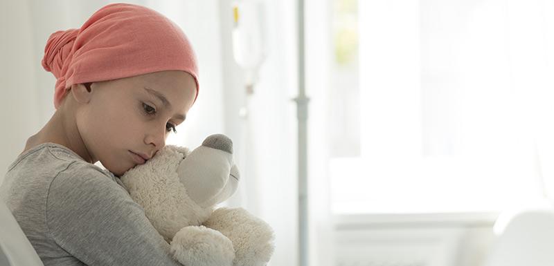 jeune fille - Journée mondiale de lutte contre le cancer