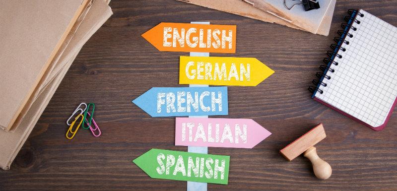 Pancarte avec différents noms de pays