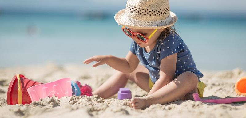 Soleil et chaleur: quelles sont les précautions à prendre pour les tout-petits ?