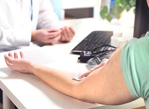 Diagnostic par le médecin de chlamydia d'un patient