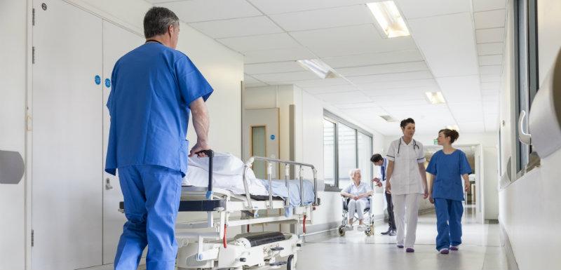 Santé au travail, les mesures du plan « Investir pour l'hôpital »