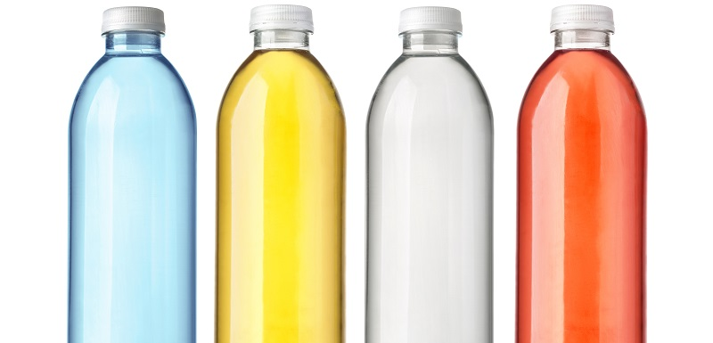 Des contenants en plastique