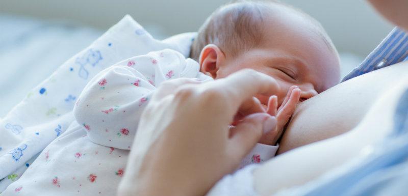 allaitement-bebe-maman-allaitement