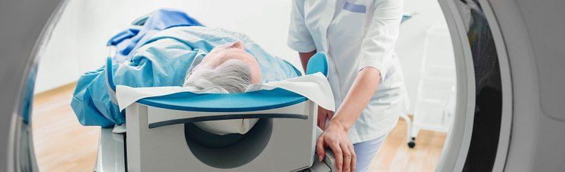 Le déroulement de l'examen d'une tomographie