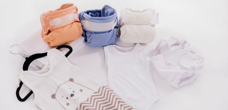 Couches de couleurs lavables bio pour bébé