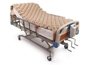 Lit d'hôpital avec matelas d'air
