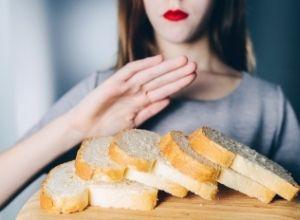 femme avec une intolérance au gluten